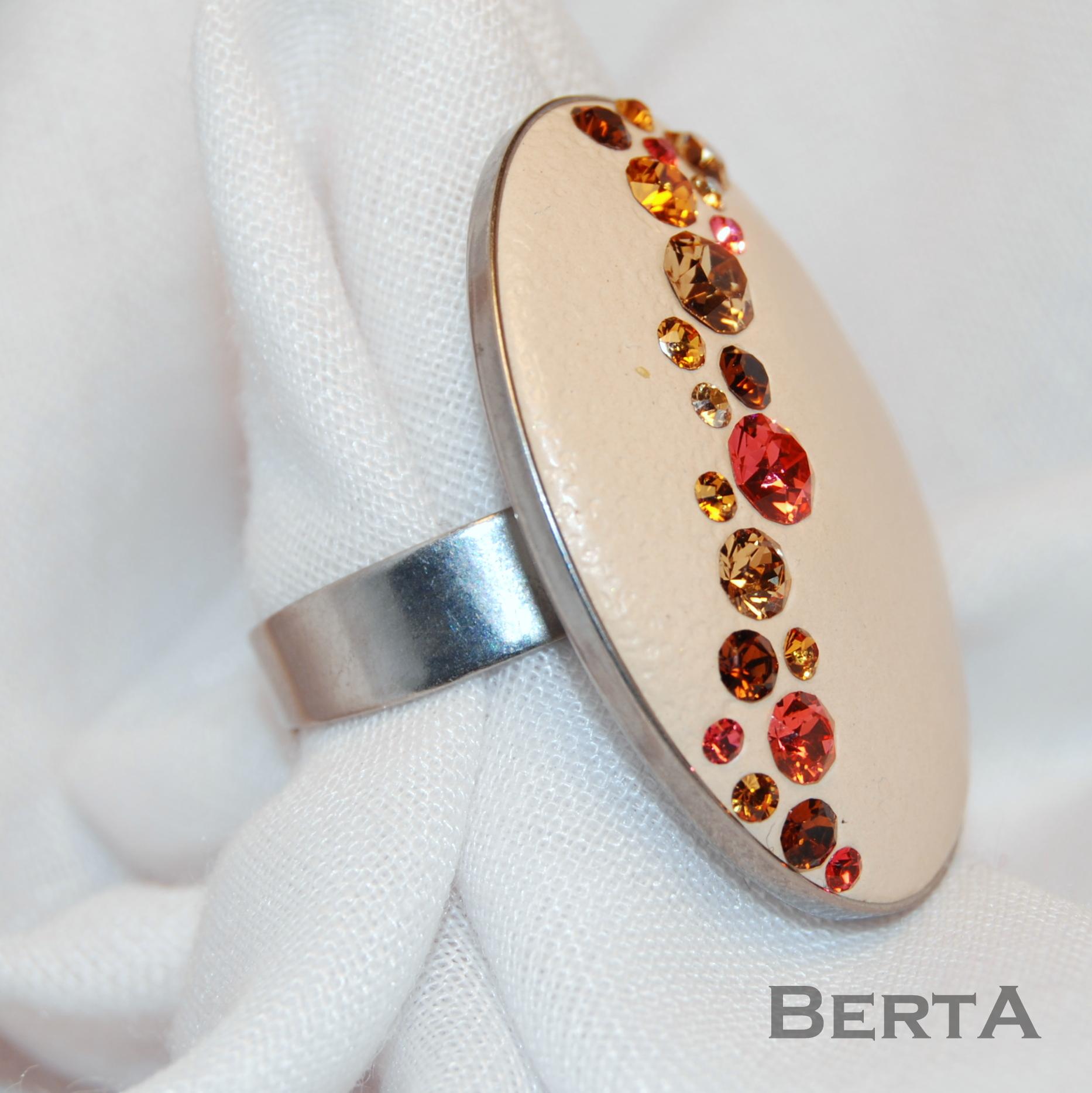 Bézs Ovális Gyűrű