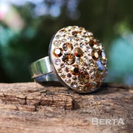 Léda nemesacél gyűrű Swarovski kristályokkal